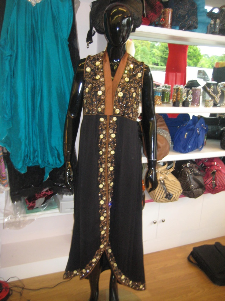Black trouser suit with thread work