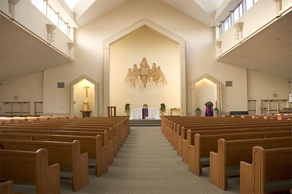 Small catholic churches saint matthew roman catholic for Roman interior designs