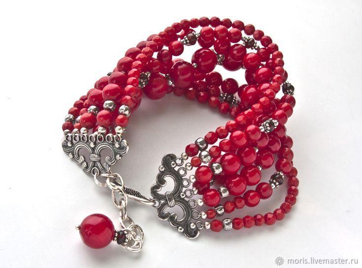 """Купить Браслет из красных кораллов и серебра """"Каприсе"""" с гранатами ... - натуральные камни, серебряный браслет"""