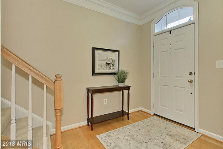 303 Lannon Ct Alexandria Va 22304 Ax10144673 Listing Info Courtesy Of Reshawna Leaven Custom Blinds Home Interior Paint Colors