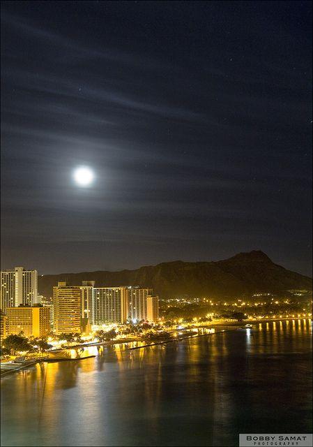 Waikiki at night - LOVED Hawaii!