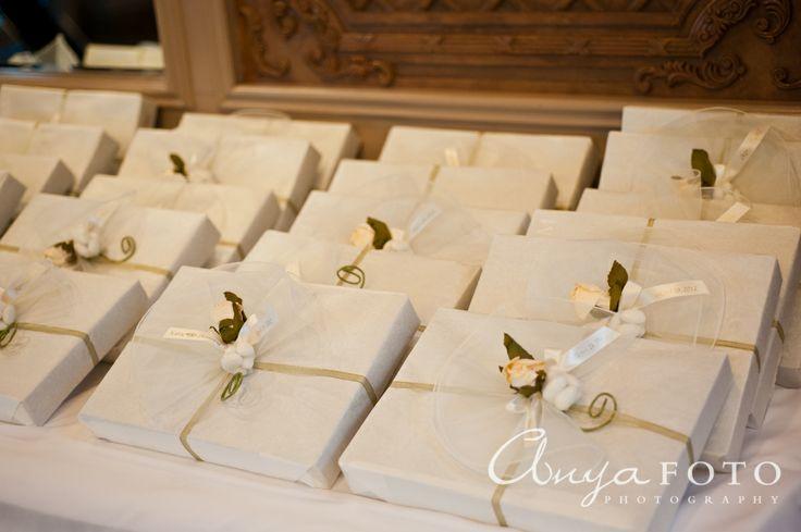 Wedding Favors anyafoto.com #wedding #weddingcakes, wedding favor ideas, wedding favor desings, white wedding favors, white wedding favor box
