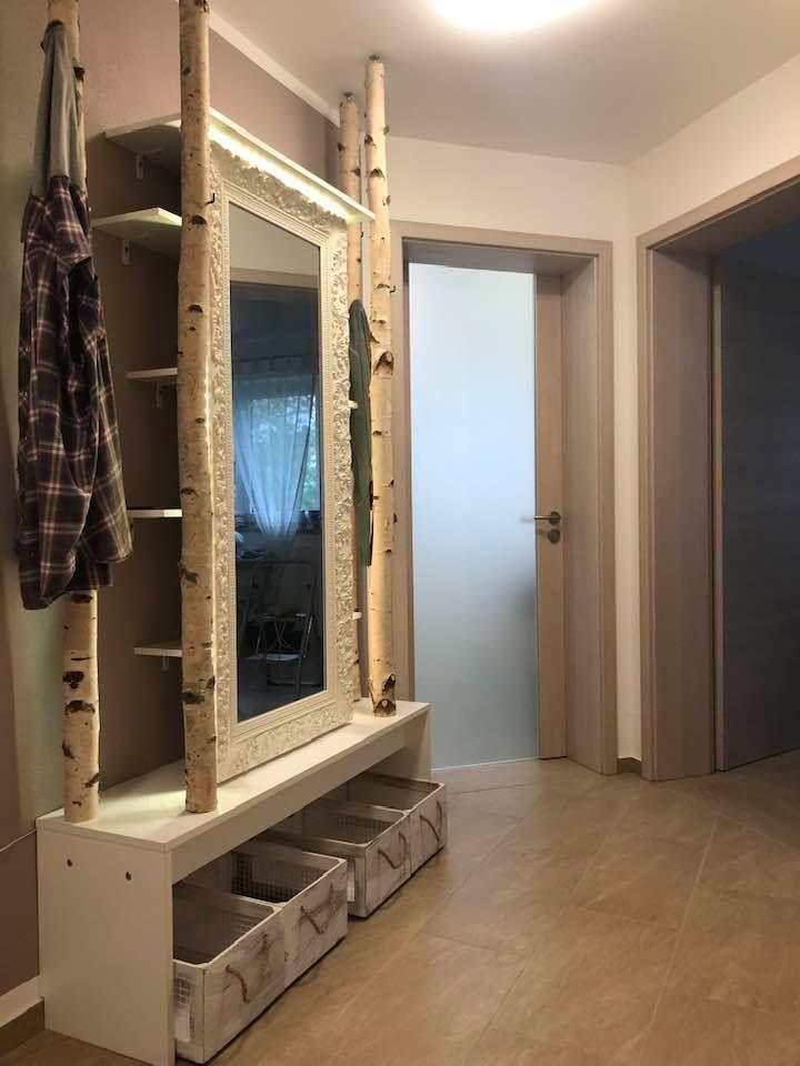 DIY Birkenstamm Garderobe von Birkendoc.de   Moderne ...