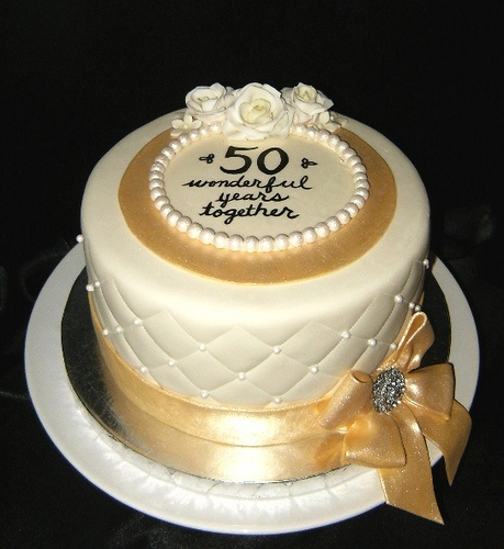 golden wedding anniversary cakes 1000 images about 50th anniversary on novelty 4570