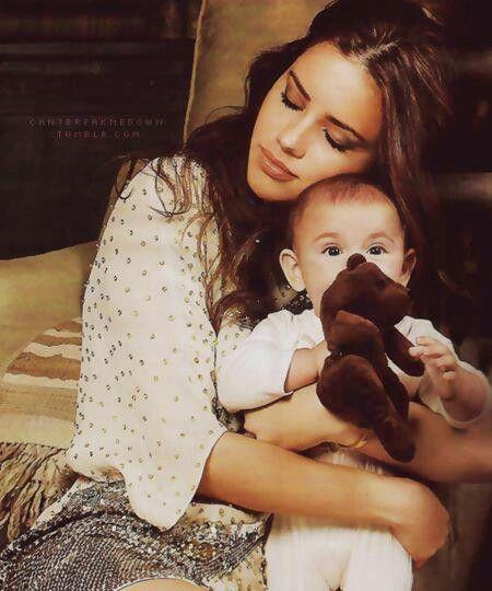 Adriana Lima with her son | Adriana Lima