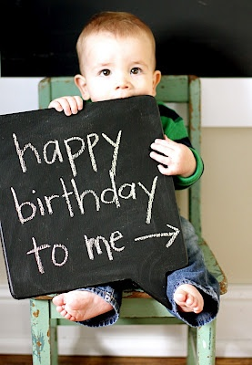 Such an adorable Happy Birthday Photo Idea!!!!