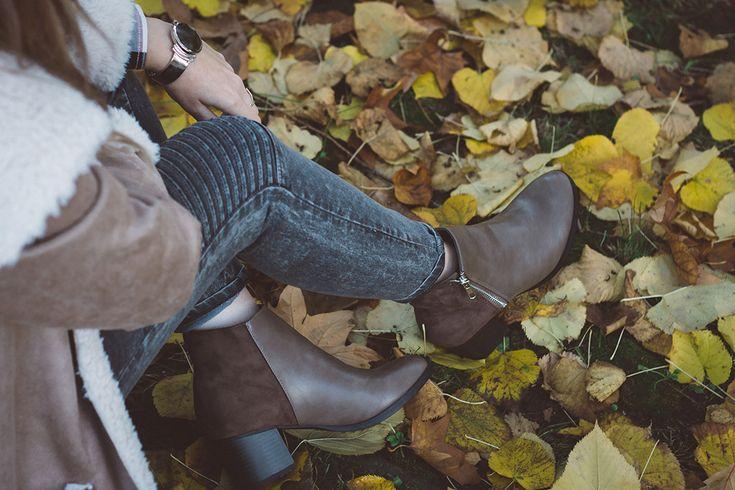 """Il montone, il cappotto per l'inverno 2017,è il capospalla più desiderato, versatile e alla moda. Ecco come indossarlo con un look casual """"anti freddo""""."""