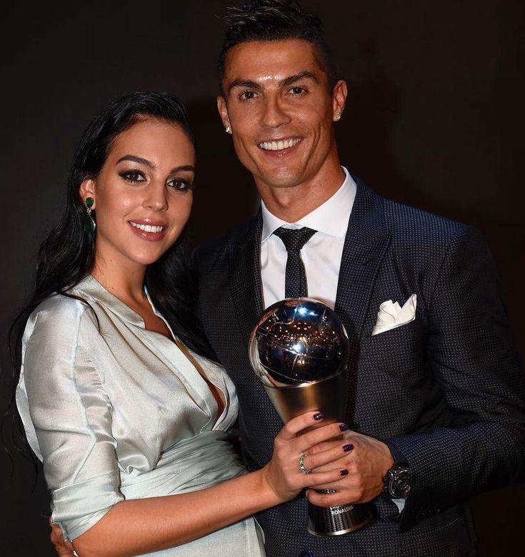 La romántica foto de Cristiano Ronaldo y su novia embarazada