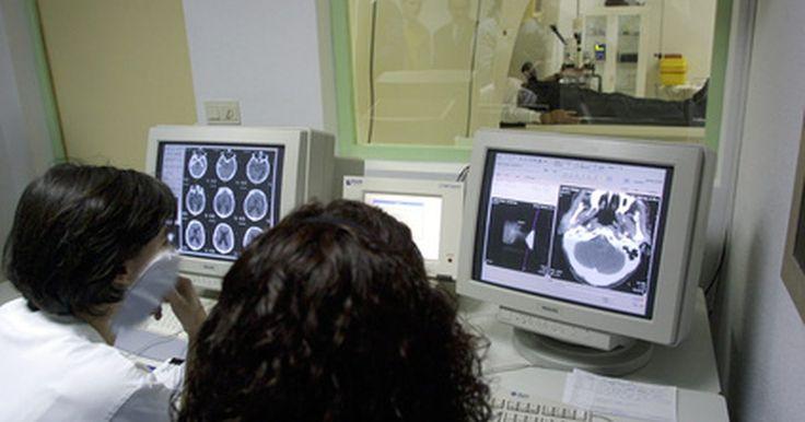 ¿Qué tipos de tomógrafos existen?. Los tomógrafos computarizados han sido utilizados por años para obtener imágenes claras de tejidos blandos y los órganos dentro del cuerpo de los pacientes. Muchas personas piensan en traumatismos craneales cuando piensan en tomógrafos. Este tipo de aparato también puede utilizarse en pacientes con problemas cardíacos, respiratorios, cáncer y ...