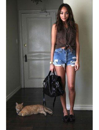 When the weather is really hot I tend to live in denim cut offs. These ones are vintage Levis. I have a few vintage pairs in different cuts and washes. Ashley madekwe