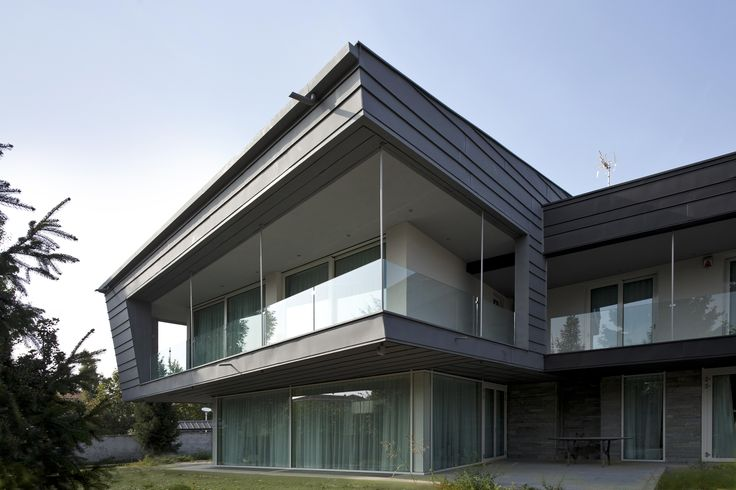 http://www.vmzinc-us.com/our-solutions/vmzinc-facade/vmz-single-lock-standing-seam.html