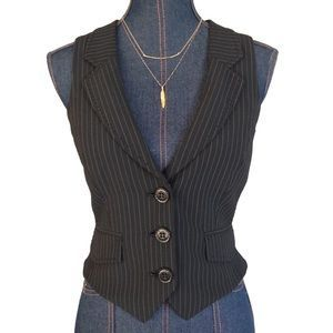 I just added this to my closet on Poshmark: bebe Tuxedo Vest. Price: $18 Size: S. Shop my Poshmark closet for some amazing deals on designer brands! Get a $5 credit when you sign up with code: BATNZ