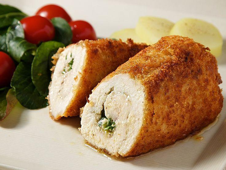 チキン・キエフ - ジューシーなチキンにとじ込めたバター香りが溢れ出す