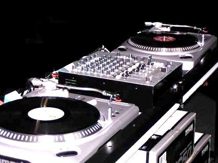 """Disc Jockey (Profession),Remix (Industry),Scratching,DJ Learning intitute in delhi,dj learning school,dj training academy,Best DJ learning school in delhi,Sound,DJ teaching,i want to be a dj,how to become a dj,Quick dj learning,be a club dj"