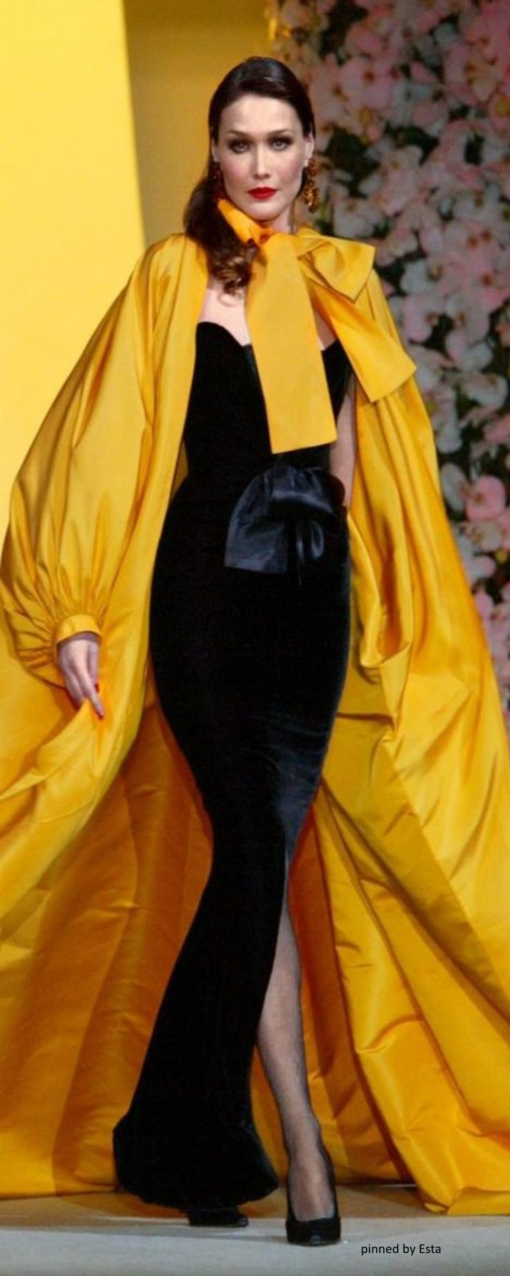 Carla Bruni in Yves Saint Laurent                                                                                                                                                      More