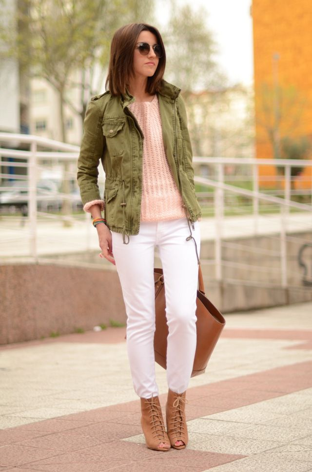 lovely Pepa green parka with white jeans (parka: Zara (s/s 12), sweater: Romwe (s/s 12), white jeans: MIH jeans (s/s 12), booties: Zara (old), bag: Zara (s/s 12), bracelet: lalentejaplpateada – Uniccos, sunglasses: Ray Ban – Ópticas Peláez)