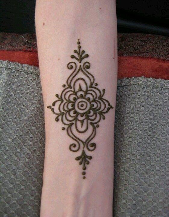 Easy Henna Design www.hierishetfeest.com