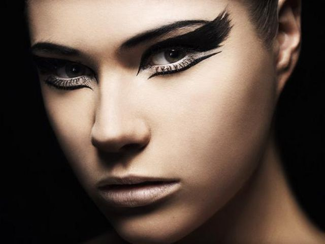 Best 25+ Black Swan Makeup Ideas On Pinterest