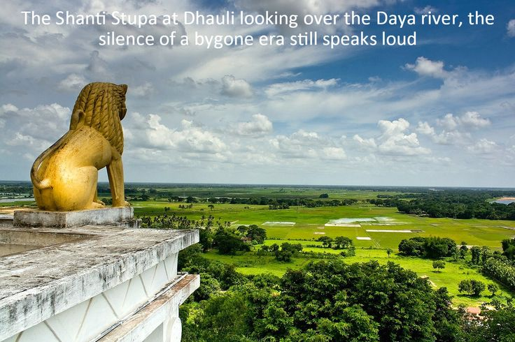 The ‪ShantiStupa‬ at ‪Dhauli‬ looking over the ‪Daya‬ river, the silence of a bygone era still speaks loud.