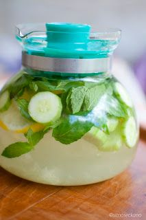 Helps with clear skin?? This is a great detox fat flush water,