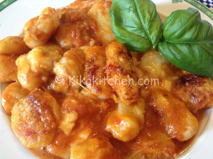 Gli gnocchi alla sorrentina sono un primo piatto tipico della nostra tradizione. Uno dei primi piatti italiani più graditi all'estero.