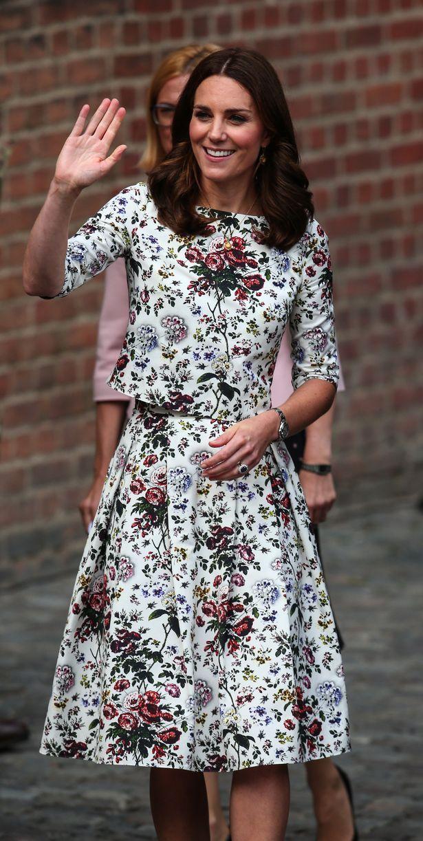 'Katemania' sweeps Poland as thousands go crazy for Kate Middleton on Royal visit to Gdańsk - Mirror Online
