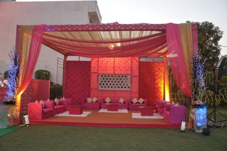 #BookingEvents #Indian #Wedding #Stage #Decoration Hindu Wedding Stage decoration: Indian Wedding Stage Decorations Pics