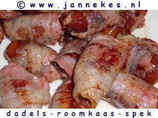 borrelhapjes - foto recept dadels met roomkaas en spek