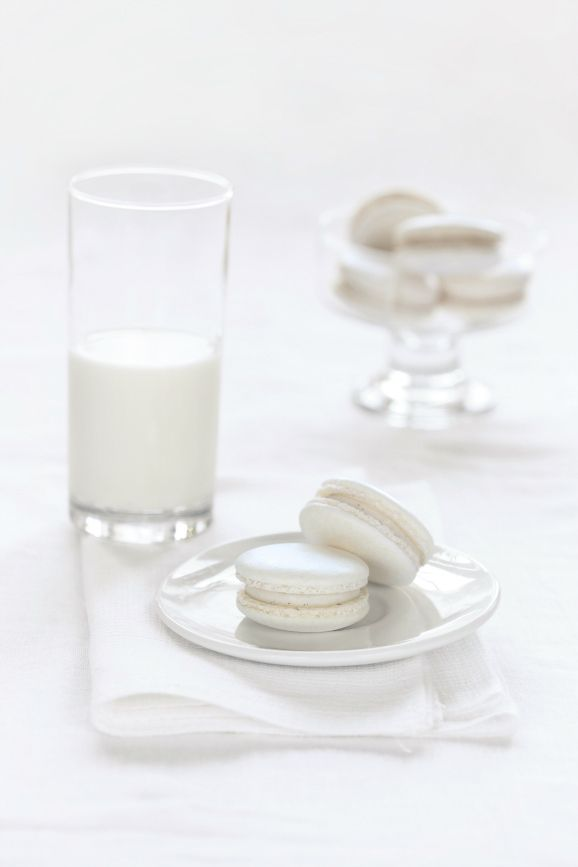 White | Vanilla macrons with a vanilla cream filling