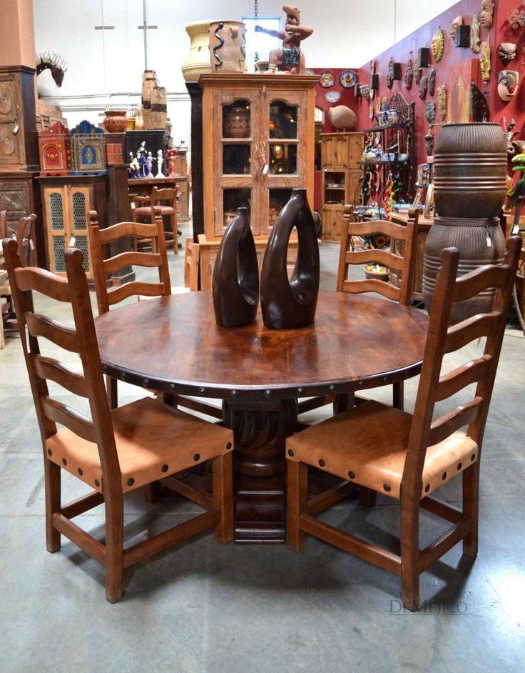 Added to the edges of any round, square, or rectangular table, these round or square rustic clavos transform to a classic piece with Spanish flair.