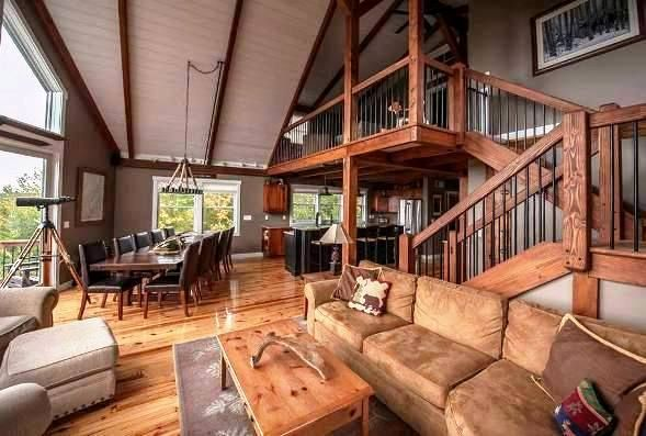 Small barn homes that work! This mountain lodge style post and beam is fantastic.