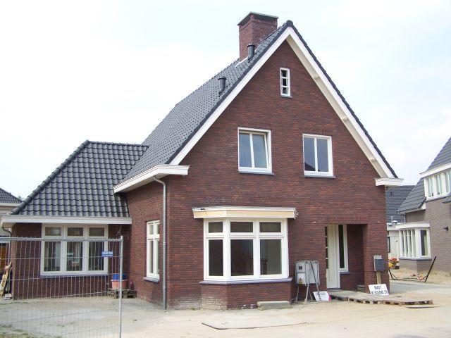 Nieuwbouw Woonhuis In Jaren 30 Stijl Met Vrijstaande Garage