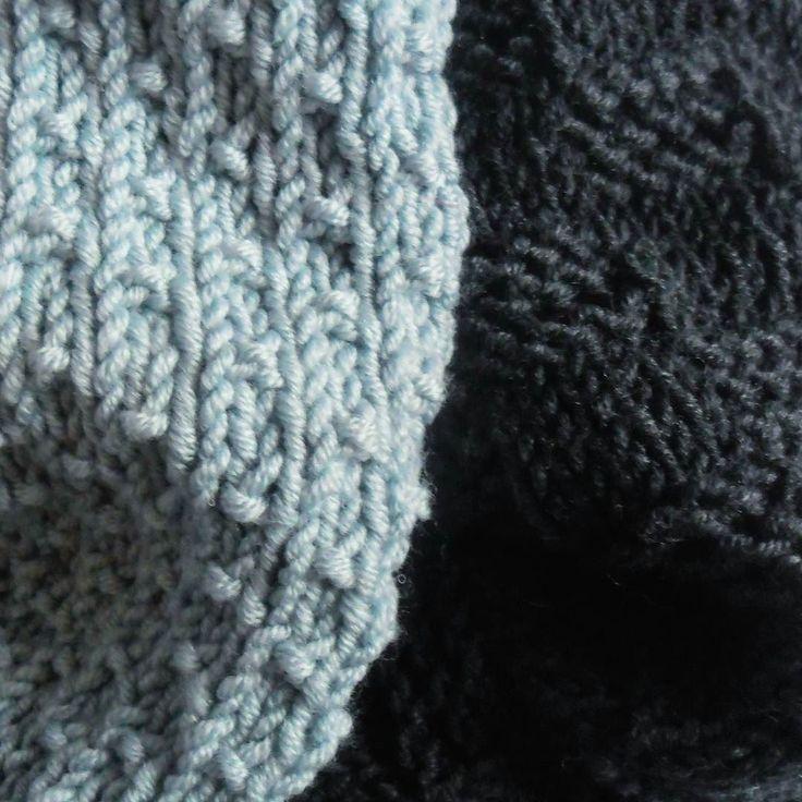 Kropki czy kratka? #jesień #autumn #cozyautumn #włóczka #yarn #yarnaddict #knitting #knittstagram #weareknitters #wool #merinoextrafine #drops #drops #merino #merinowool #woolies #scarf #duckegg