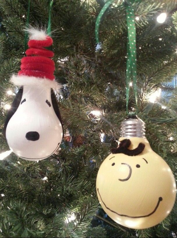 DIY Snoopy Charlie Brown Painted Christmas Ornaments