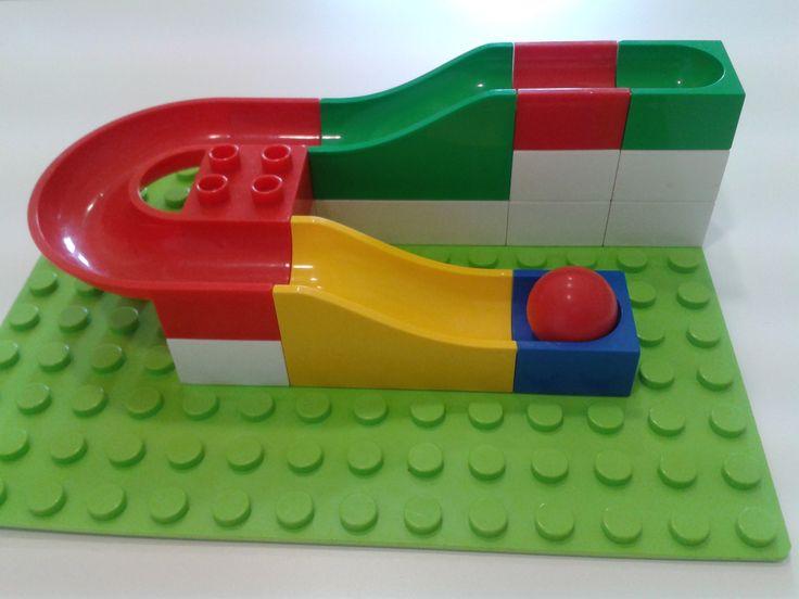 Ako si postaviť dráhu Hubelino - fotografické námety, podľa ktorých si dieťa postaví dráhu pre guličky.