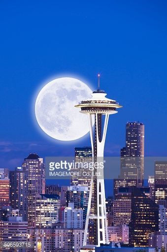 Luna şi Acul Spaţial 35 - Seattle, statul Washington, SUA