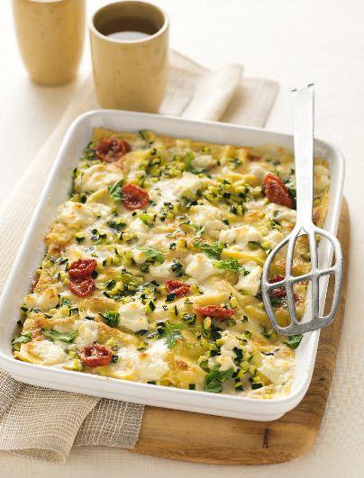Una variante delle classiche lasagne, con zucchine, caprino e rucola: scopri la ricetta su Sale&Pepe!