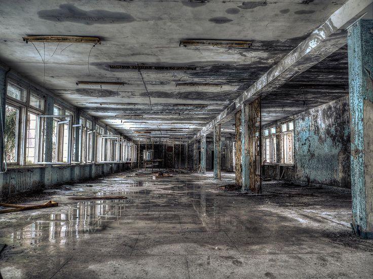 La catástrofe empezó en el Reactor 4 durante una prueba de sistemas, poco después de la 1 a.m. del sábado, 26 de abril de 1986. | Escalofriantes fotos de Chernobyl 28 años después