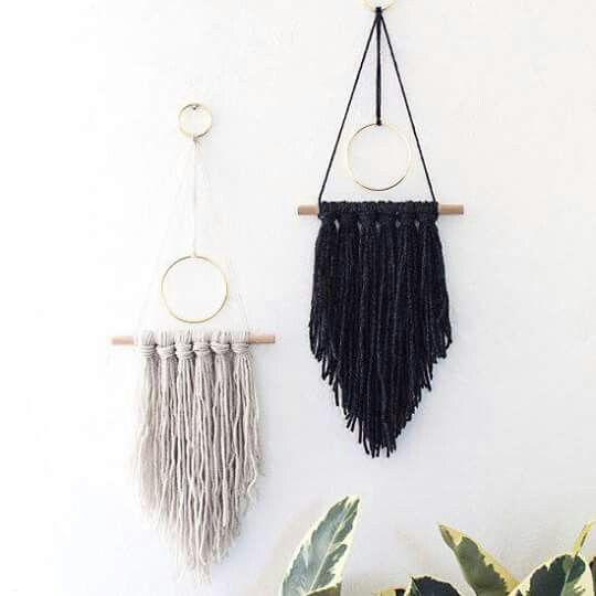 DIY yarn ring flag