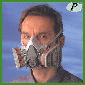 Media máscara 3M de dos filtros serie 6200. Protección respiratoria con filtros reutilizables ligeros. Ver detalles en: http://www.tplanas.com/epis/mascaras-3m/220-mascaras-3m-reutilizables-filtros-ligeros.html