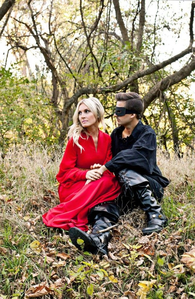 Westley + Buttercup from The Princess Bride make awesome couple costumes for Halloween.