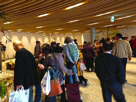 姫路の地下街でマルシェ「御結び市」、毎月開催へ-地場野菜などを対面販売(写真ニュース)