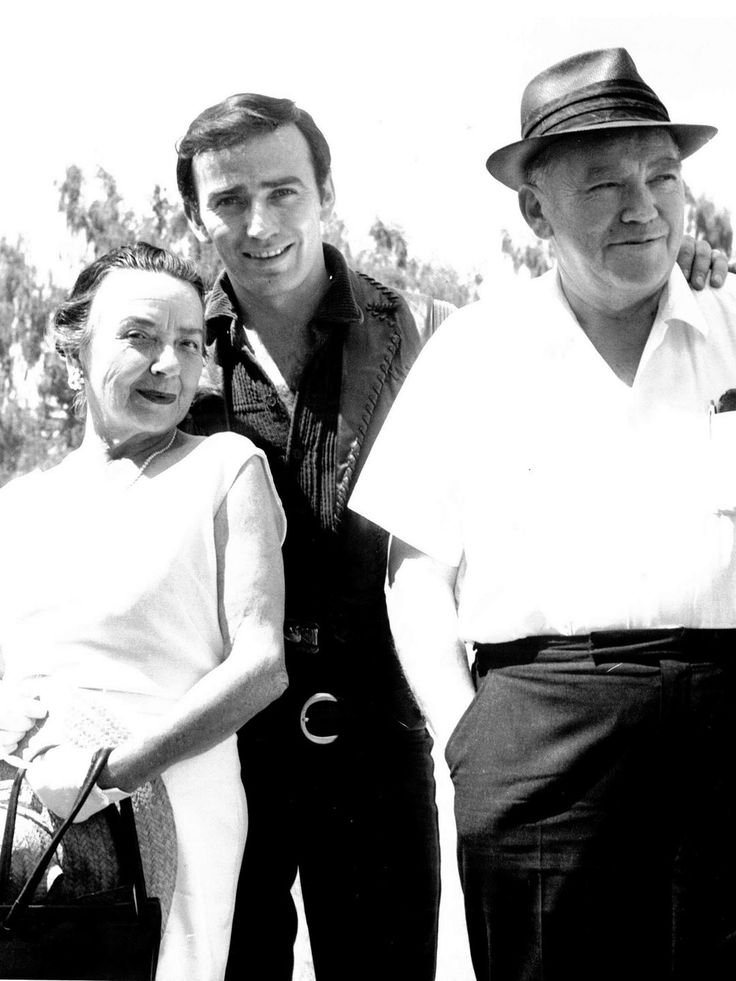 "James Drury, the star of ""The Virginian,"" is shown in this undated photo taken in Salem with his parents, Beatrice and James Drury Sr. Drury grew up in both Salem and New York, where his father was a professor."