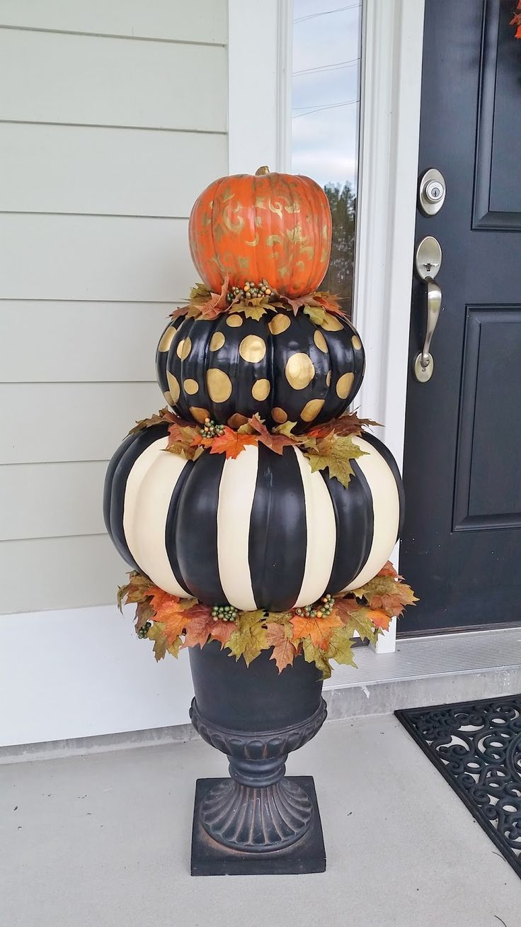 Fall topiary in pedestal planter