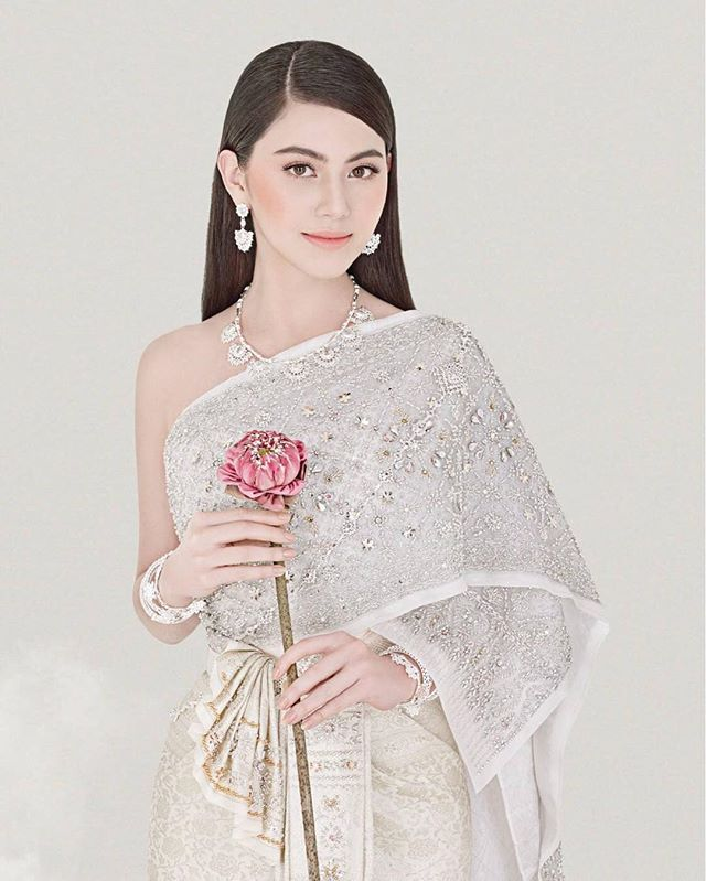 Davika Hoorne, WE Wedding magazine