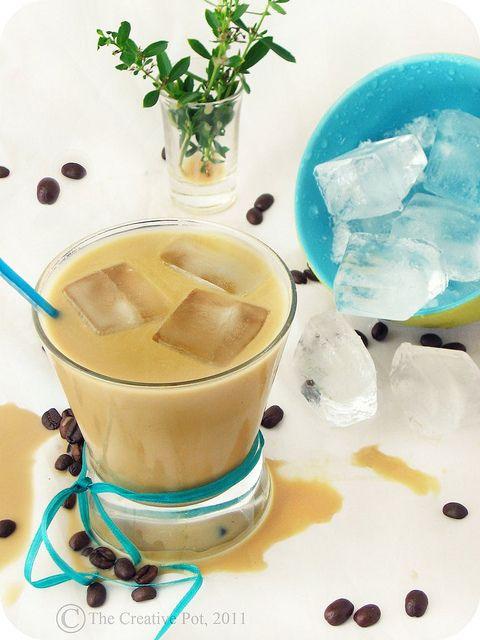 coconut iced coffeeSummer Drinks, Coffee F3 W, Coffe Drinks, Coconut Milk, Creative Pots, Ice Coffee, Coffe F3 W, Iced Coffee, Coconut Ice