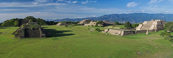la Zona Arqueológica de Monte Albán fue reutilizado por los mixtecos durante el Período Posclásico.  https://programadestinosmexico.com/guia-turistica-de-oaxaca.html