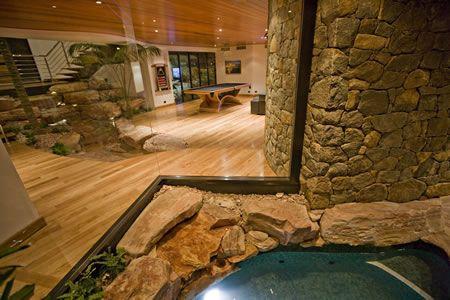 Luxury Accommodation in Eagle Bay - True North Ashore