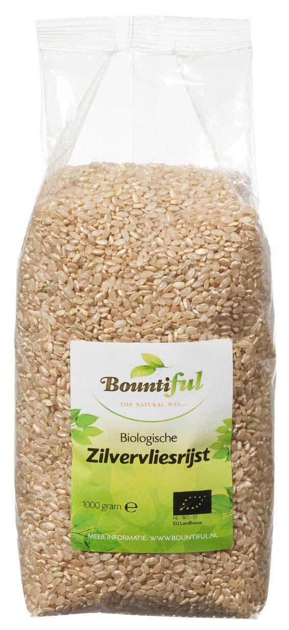 Zilvervliesrijst Bio. Zilvervliesrijst is volkorenrijst en kan in elk rijstgerecht verwerkt worden. Een kop ongekookte rijst levert ongeveer 3 koppen gekookte rijst op. Was de rijst goed in een vergiet. Doe de rijst in de pan. Voeg 2,5 kop water (of bouillon) voor elke kop rijst toe. Breng aan de kook. Zet daarna het vuur laag. Doe een deksel op de pan. Kook tot de rijst zacht is en het water geabsorbeerd is. Indien nodig afgieten. Laat de rijst 5 minuten rusten, daarna los roeren.