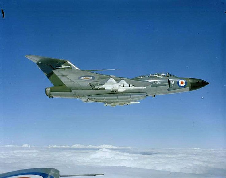 A Gloster Javelin FAW.7 (XH890) of No 25Sqn